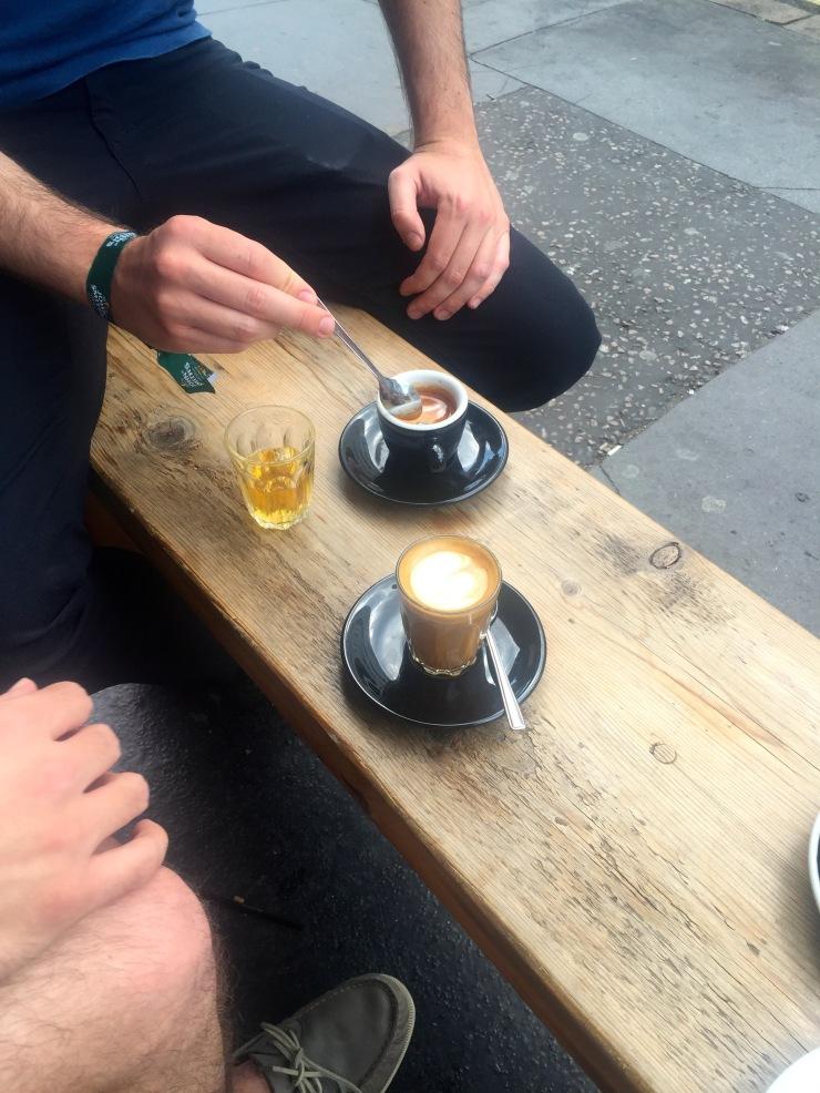 London : Coffee, Kensington & High Tea with the Queen04