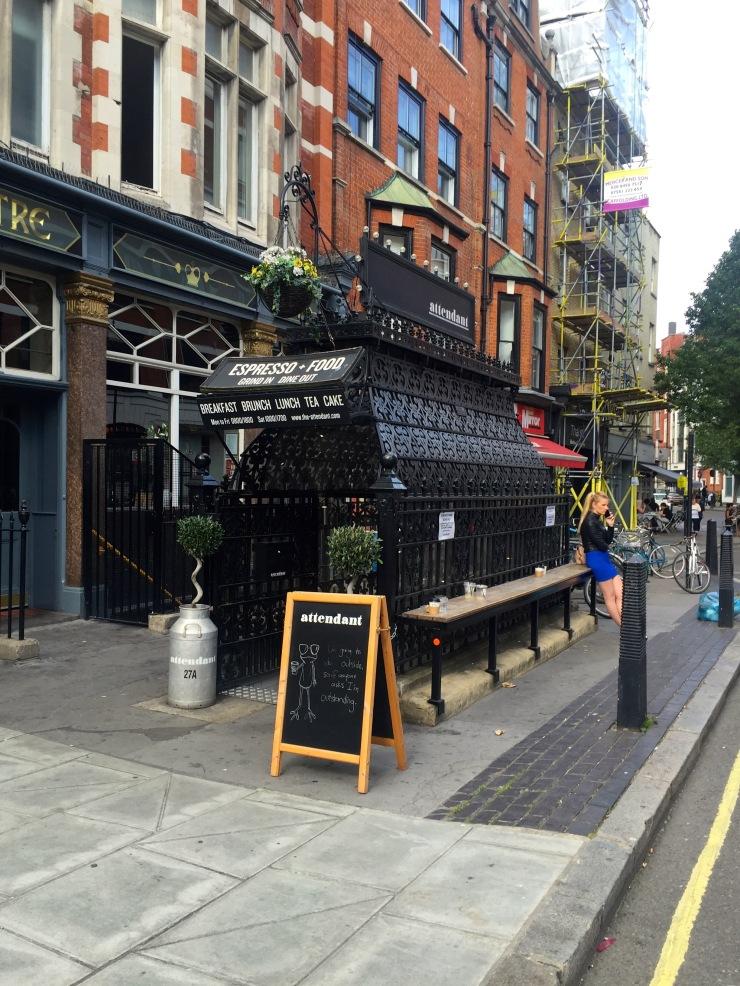 London : Coffee, Kensington & High Tea with the Queen05