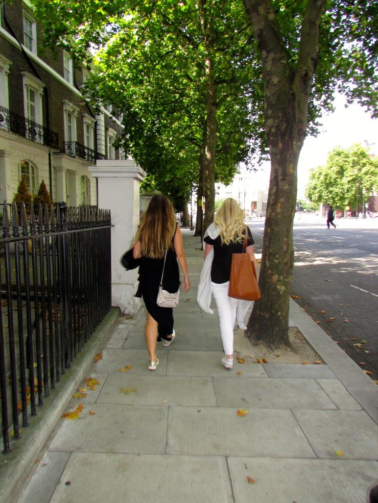 London : Coffee, Kensington & High Tea with the Queen14