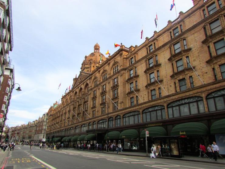 London : Coffee, Kensington & High Tea with the Queen17