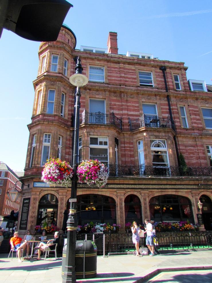London : Coffee, Kensington & High Tea with the Queen19