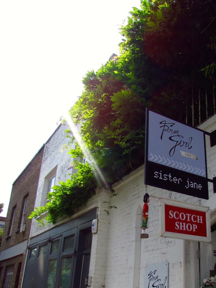 London : Coffee, Kensington & High Tea with the Queen23