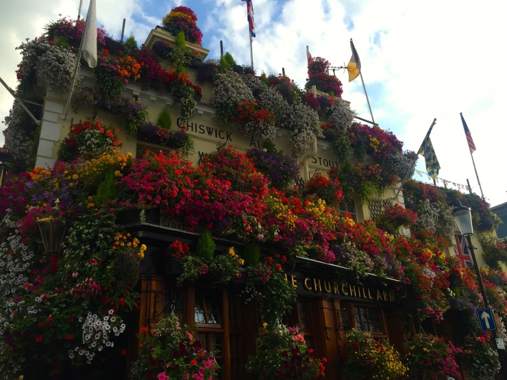 London : Coffee, Kensington & High Tea with the Queen34
