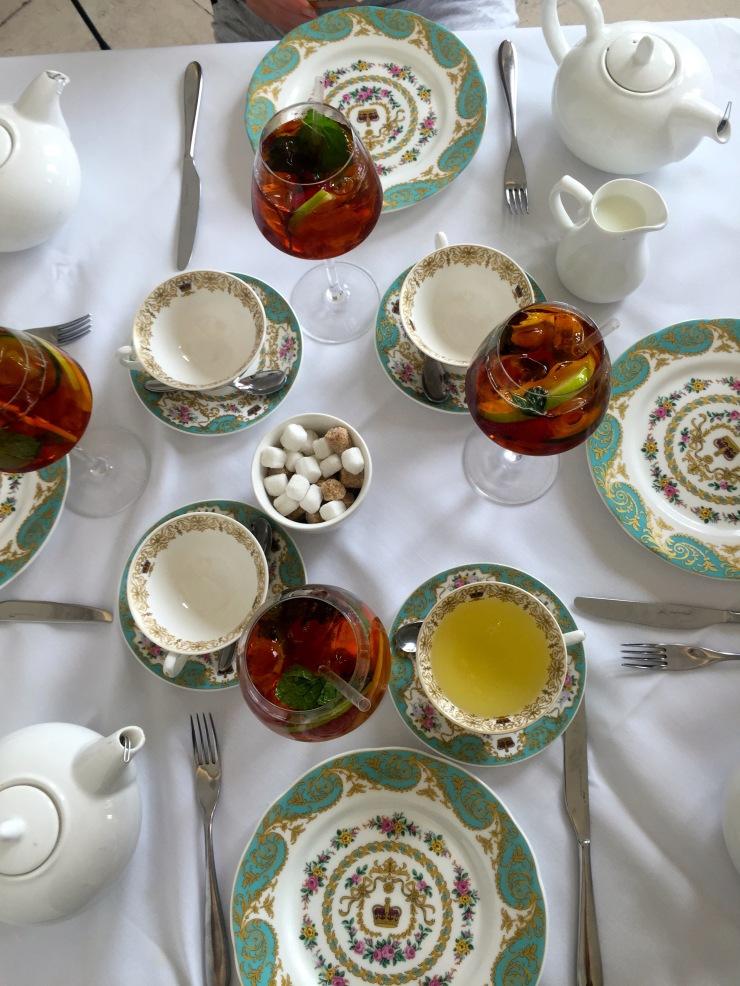 London : Coffee, Kensington & High Tea with the Queen40